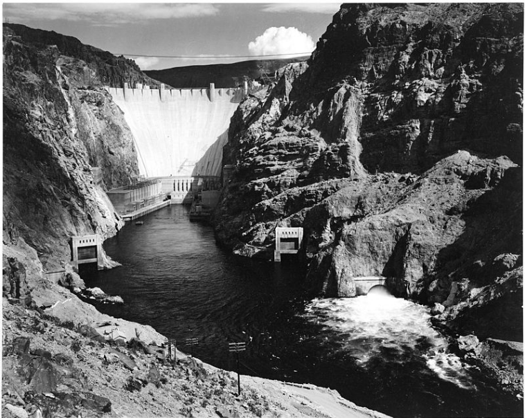 Photograph of the Hoover Dam (formerly Boulder Dam) from Across the Colorado River; From the series Ansel Adams Photographs of National Parks and Monuments, compiled 1941 - 1942, documenting the period ca. 1933 - 1942 | © Public Domain/Wikicommons