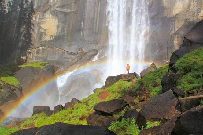 Vernal Fall mistin' the rainbow | © daveynin/Flickr