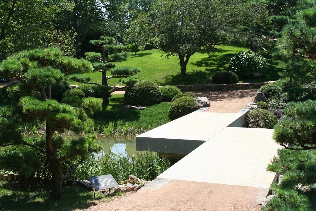 Chicago Botanic Garden, courtesy of Wikimedia Commons
