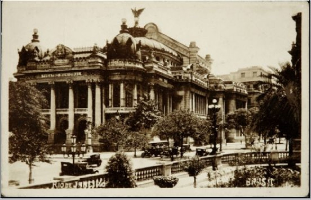 The completed theater in 1909, as shown on a postcard from the same year | WikiCommons
