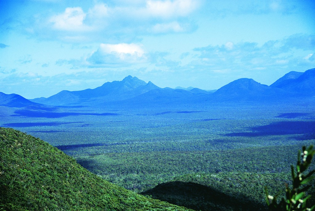 View from the Bluff Knoll trail | Courtesy of Tourism Western Australia