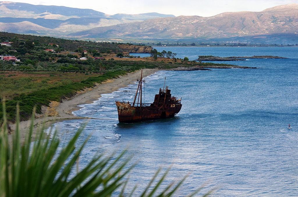 Dimitrios Shipwreck | @ Bgabel/WikiCommons