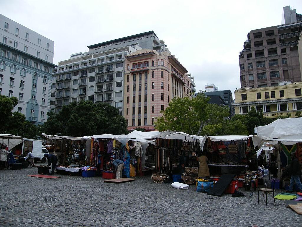 Greenmarket Square © Debbie Louise Lloyd/WikiCommons