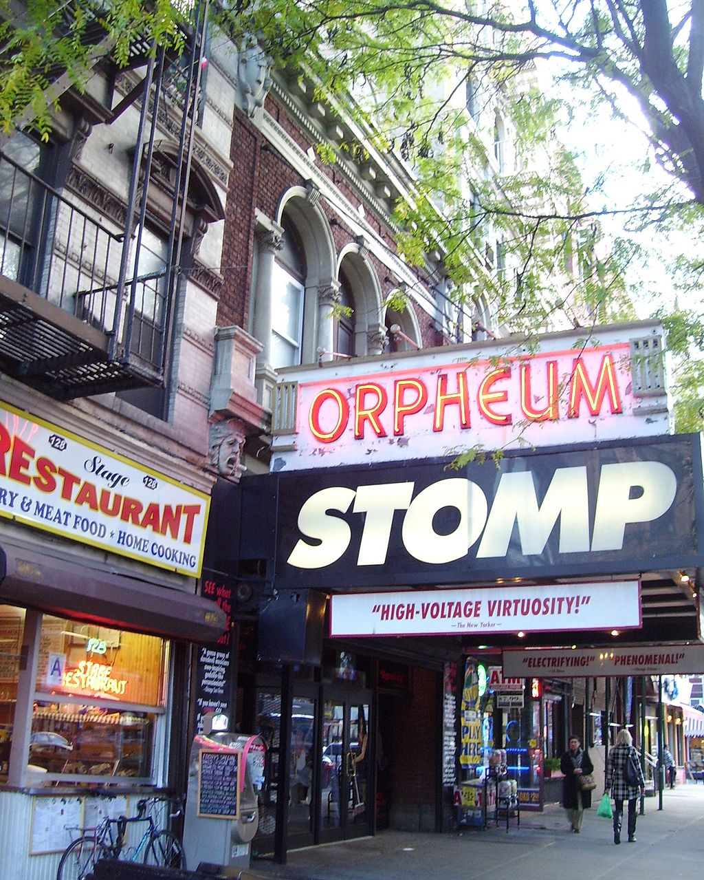 The Orpheum Theater, a popular Off-Broadway theater in NYC | © Beyond My Ken/Wikipedia Commons
