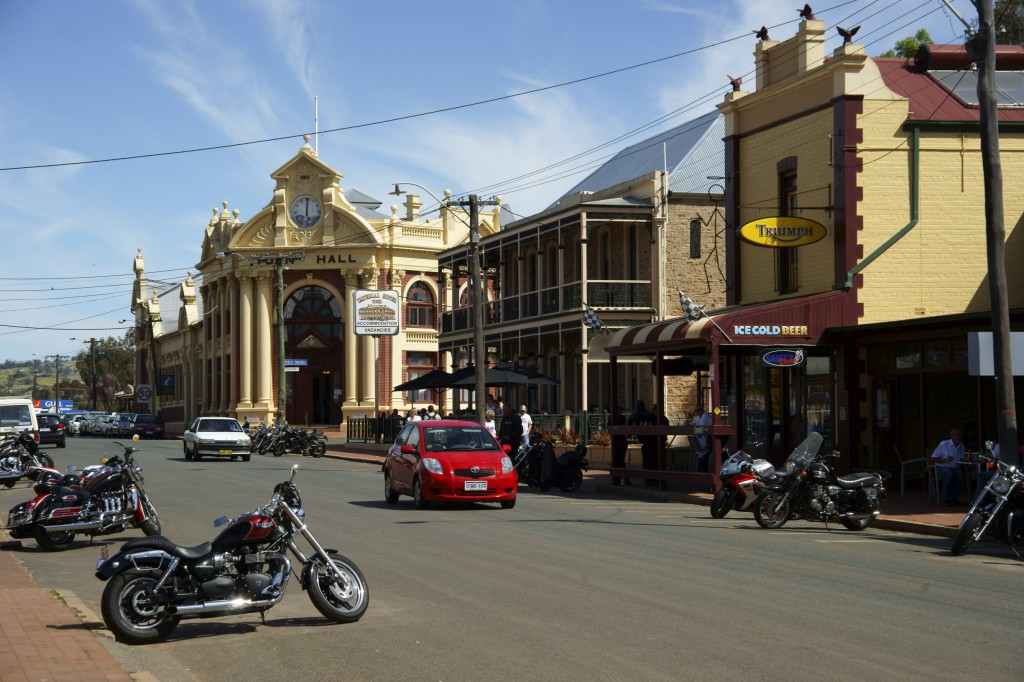 Avon Terrace streetscape, in York | Courtesy of Tourism Western Australia