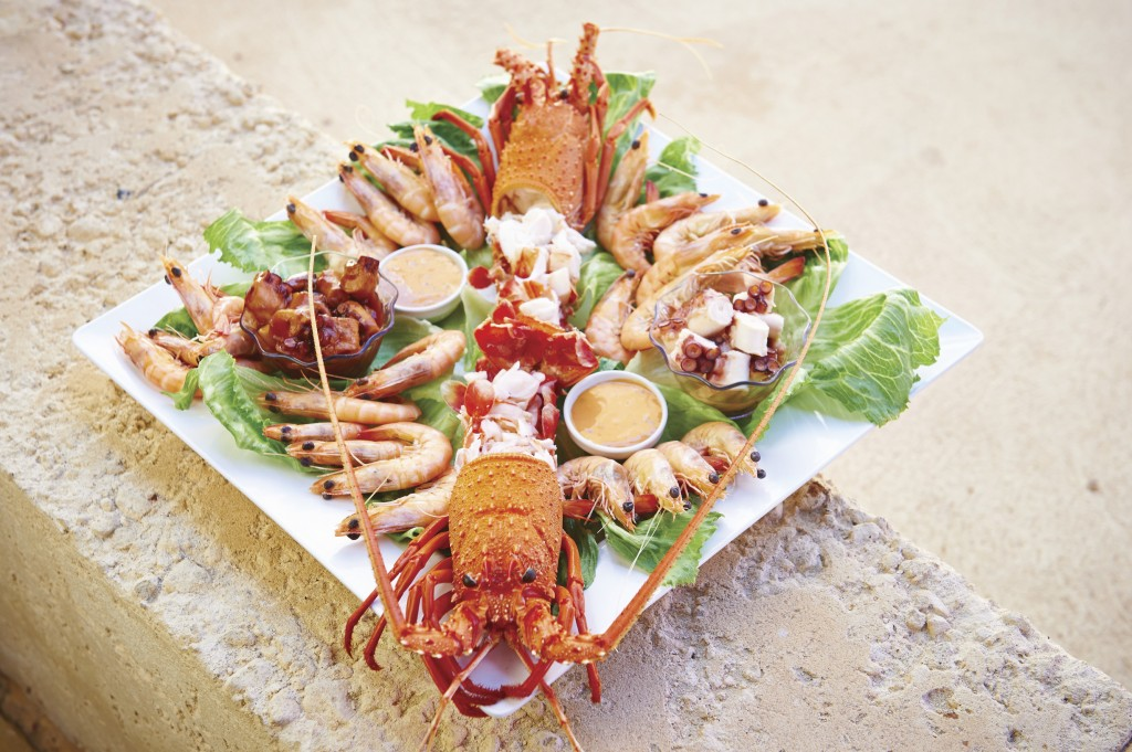 A platter of fresh seafood at Lobster Shack near Cervantes | Courtesy of Tourism Western Australia