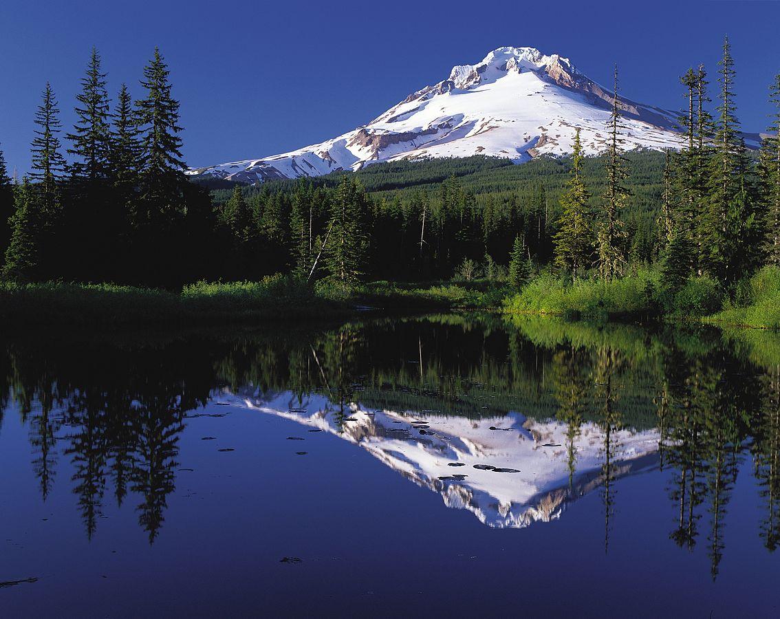 Mount Hood reflected in Mirror Lake, Oregon, USA   Public Domain/Wikicommons