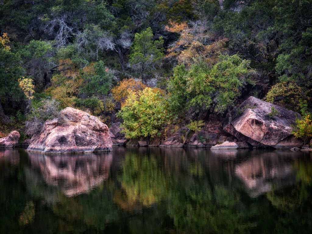 Inks Lake state Park © Anne Worner/Flickr