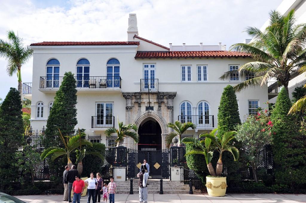 Casa Casuarina, Ocean Drive | Courtesy of Wikipedia Commons
