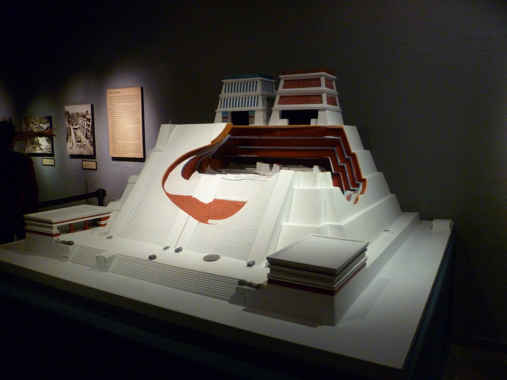 Model of the Templo Mayor, with the two shrines to Tlaloc and Huitzilopochtli | © Lauren/Flickr