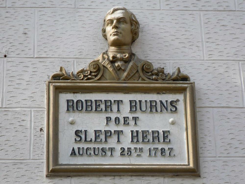 Robert Burns Plaque | © Stevie Spiers/Geograph