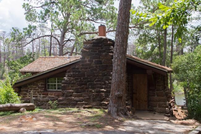 Bastrop State Park Cabin © Trek Texas/Flickr