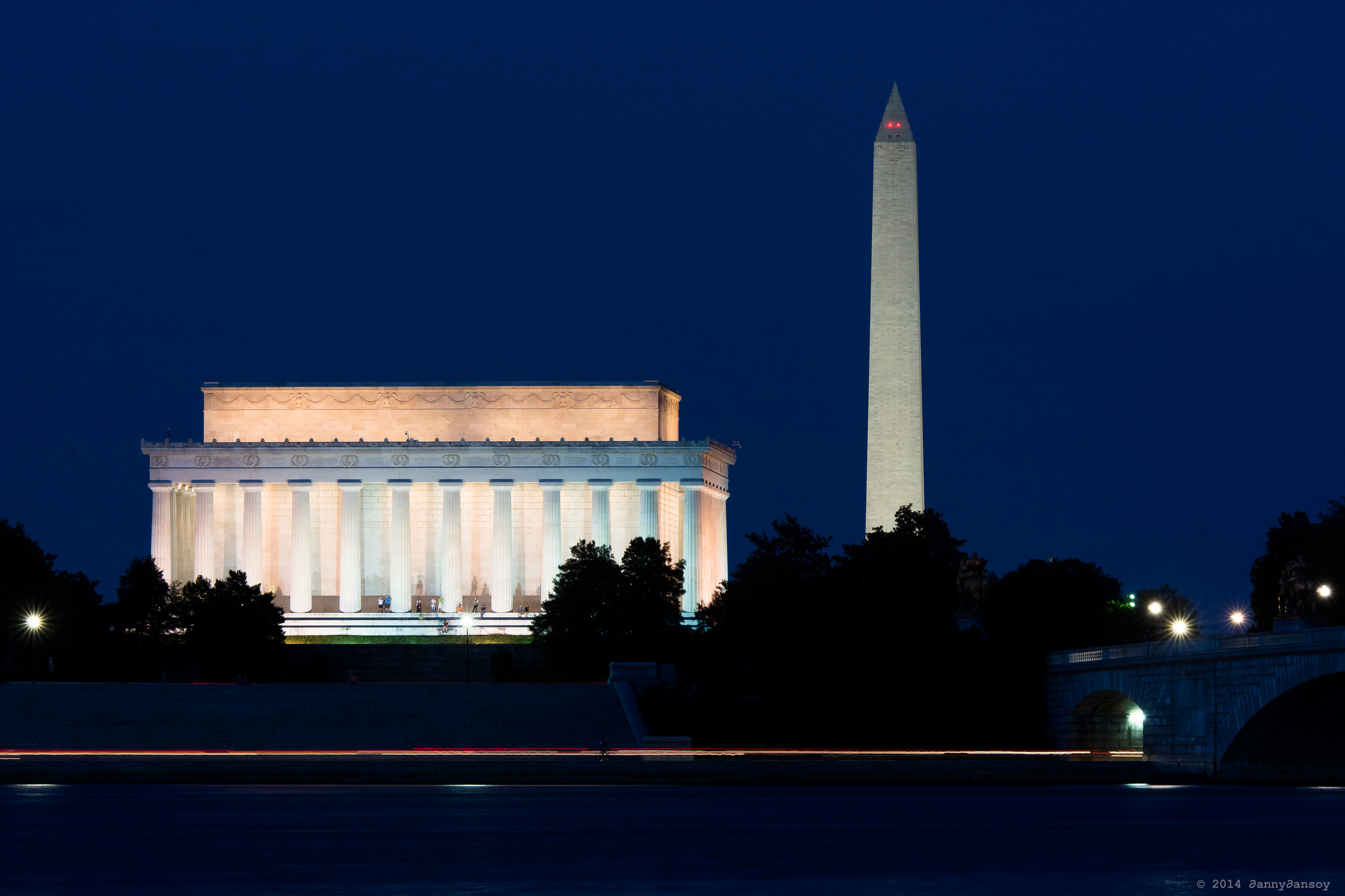 Monuments Seen From Potomac | © Dan G./Flickr