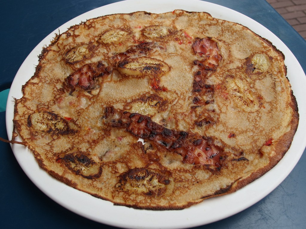 A bacon pancake at Pancakes! | © Guilhem Vellut / Flickr