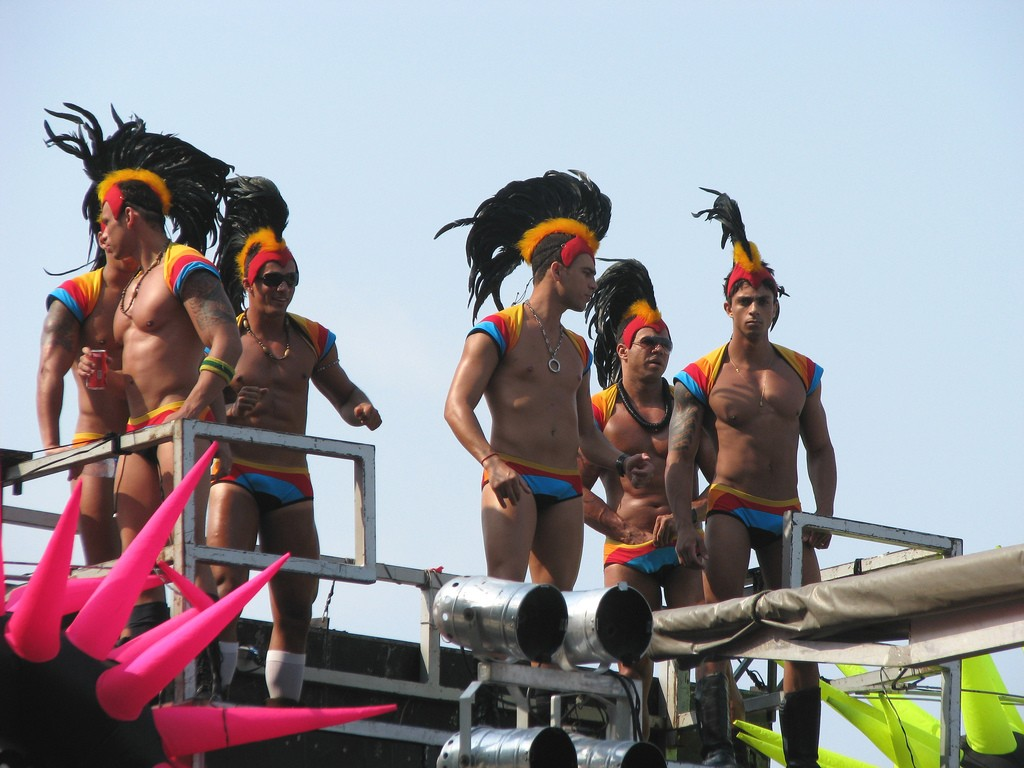 Gay nude accommodation rio
