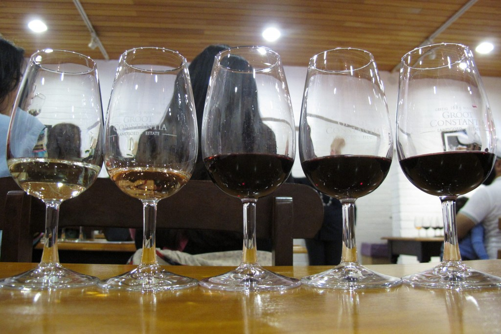 Wine tasting at Groot Constantia © Ixmatex Wu/Flickr