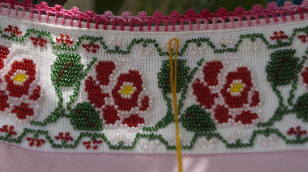 Traditional embroidery | © Paola Ulloa/Flickr