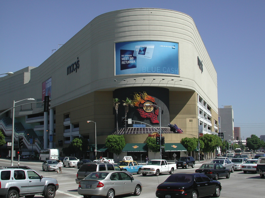 The Beverly Center's Macy's corner in the early aughts. © Flickr/John Lopez