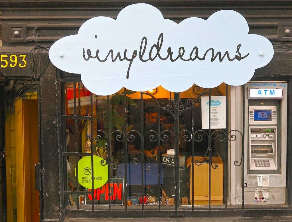 Vinyl Dreams © torbakhopper/Flickr
