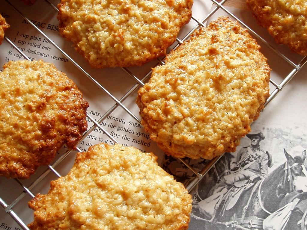 Anzac biscuits   © Amanda Slater / Flickr