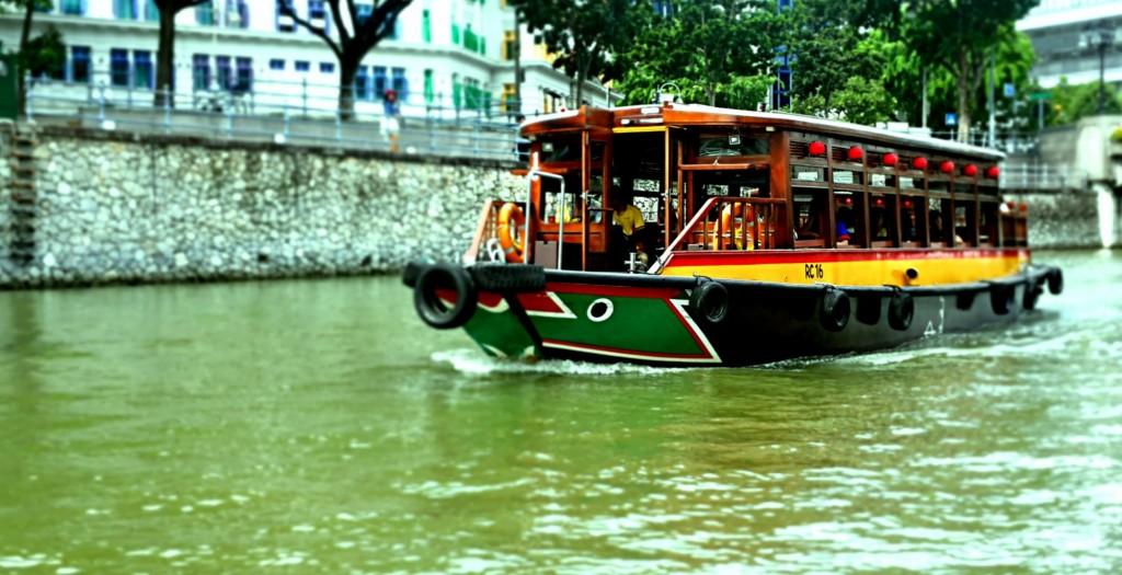 Singapore River Explorer in Clarke Quay © Prianka Ghosh