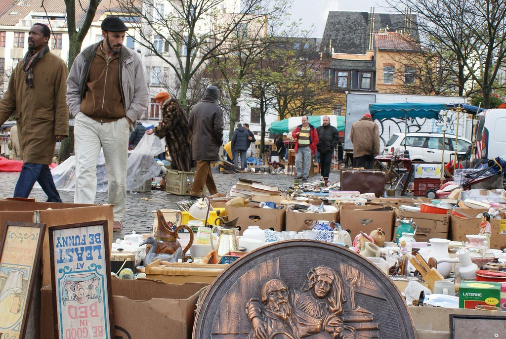 Anything and everything is for sale on the Marolles flea market | © Peter.Lorre/Flickr