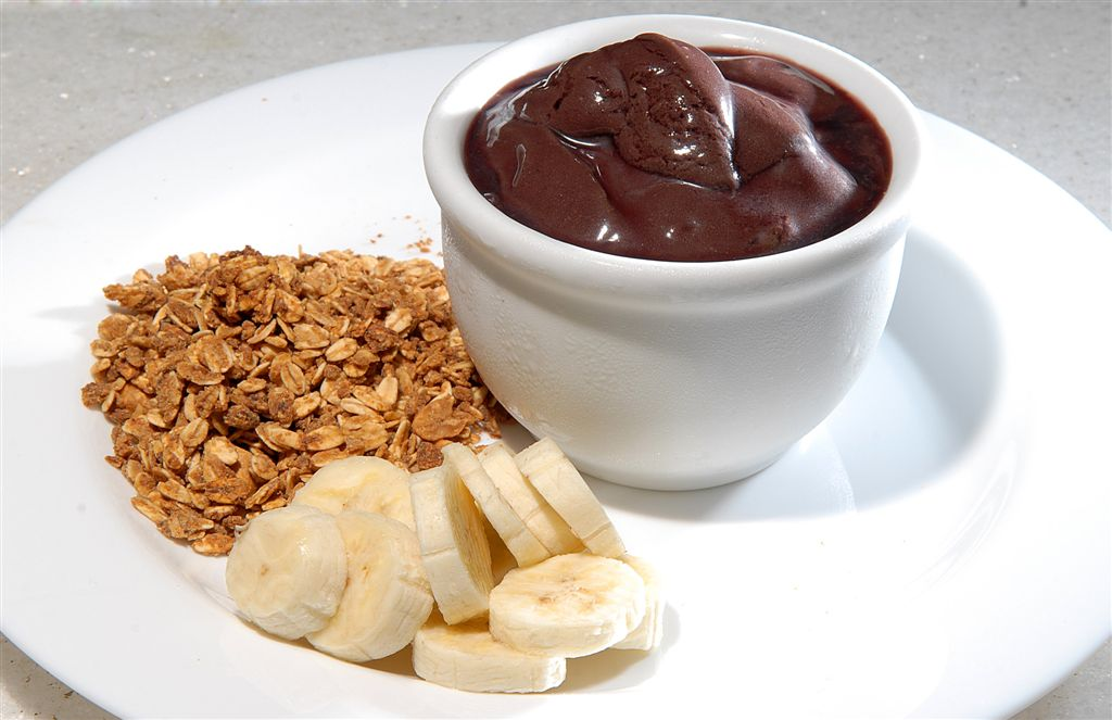 Acai with banana and granola |© André Schirm/Flickr