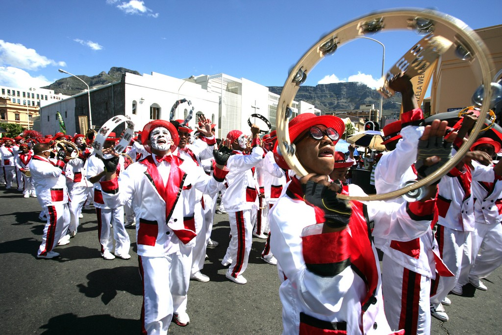 Minstrels parade through the streets of Cape Town © South African Tourism/Flickr