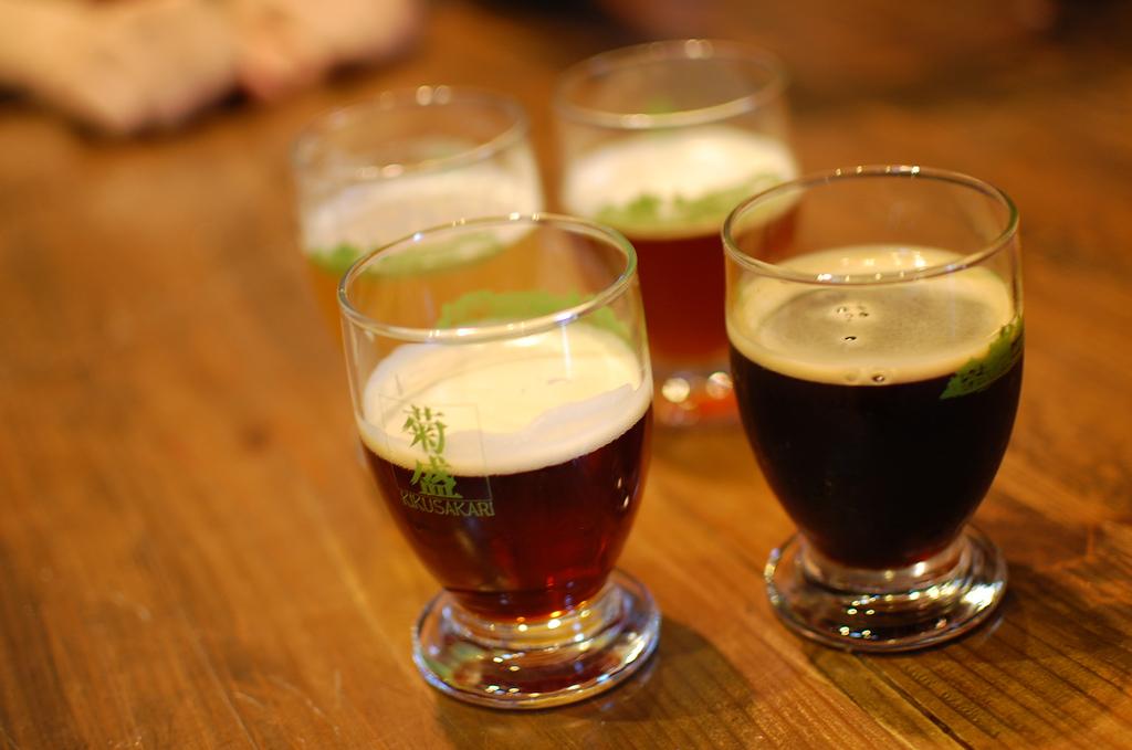 Beer sampling |© Daisuke FUJII/Flickr