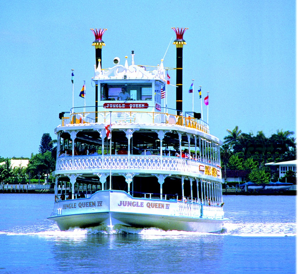 The Jungle Queen cruises down Fort Lauderdale's waterways | photo courtesy of Flickr