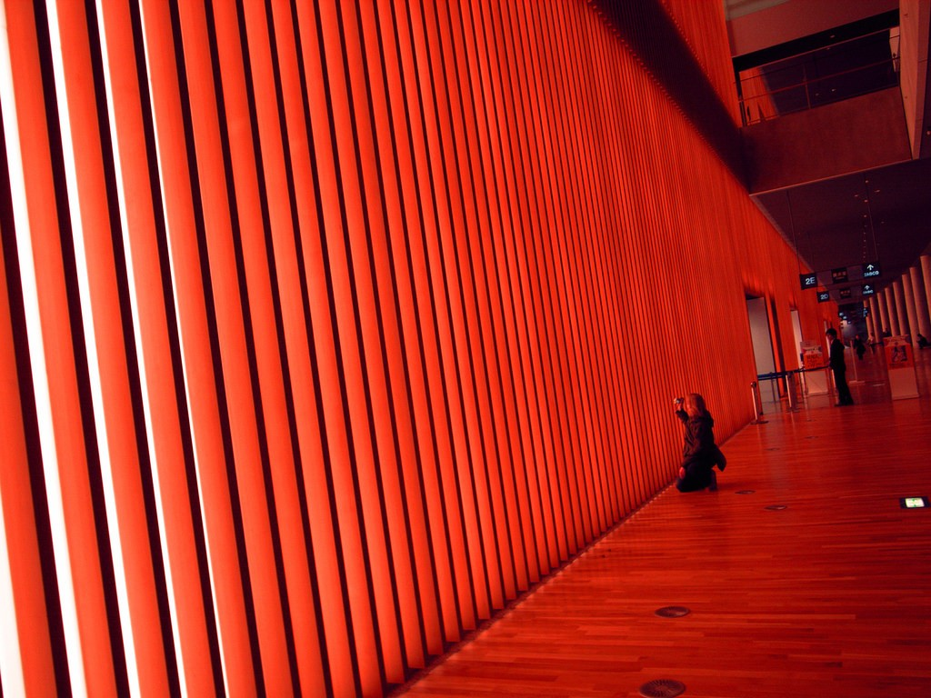 Inside an exhibition area at the National Art Center, Tokyo | © tata_aka_T/Flickr