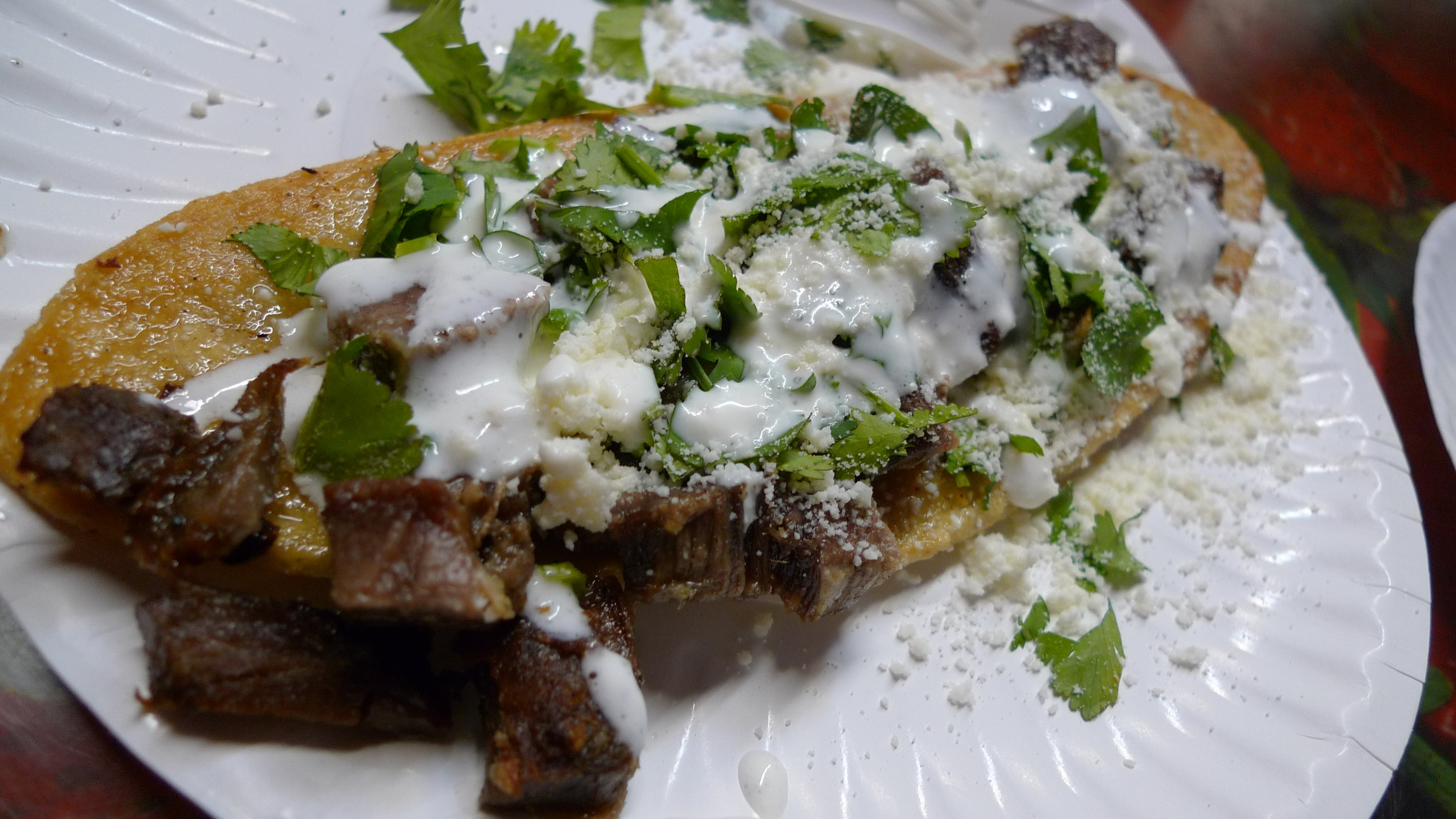 Popular Mexican snack, huarache | © Ron Dollete/Flickr