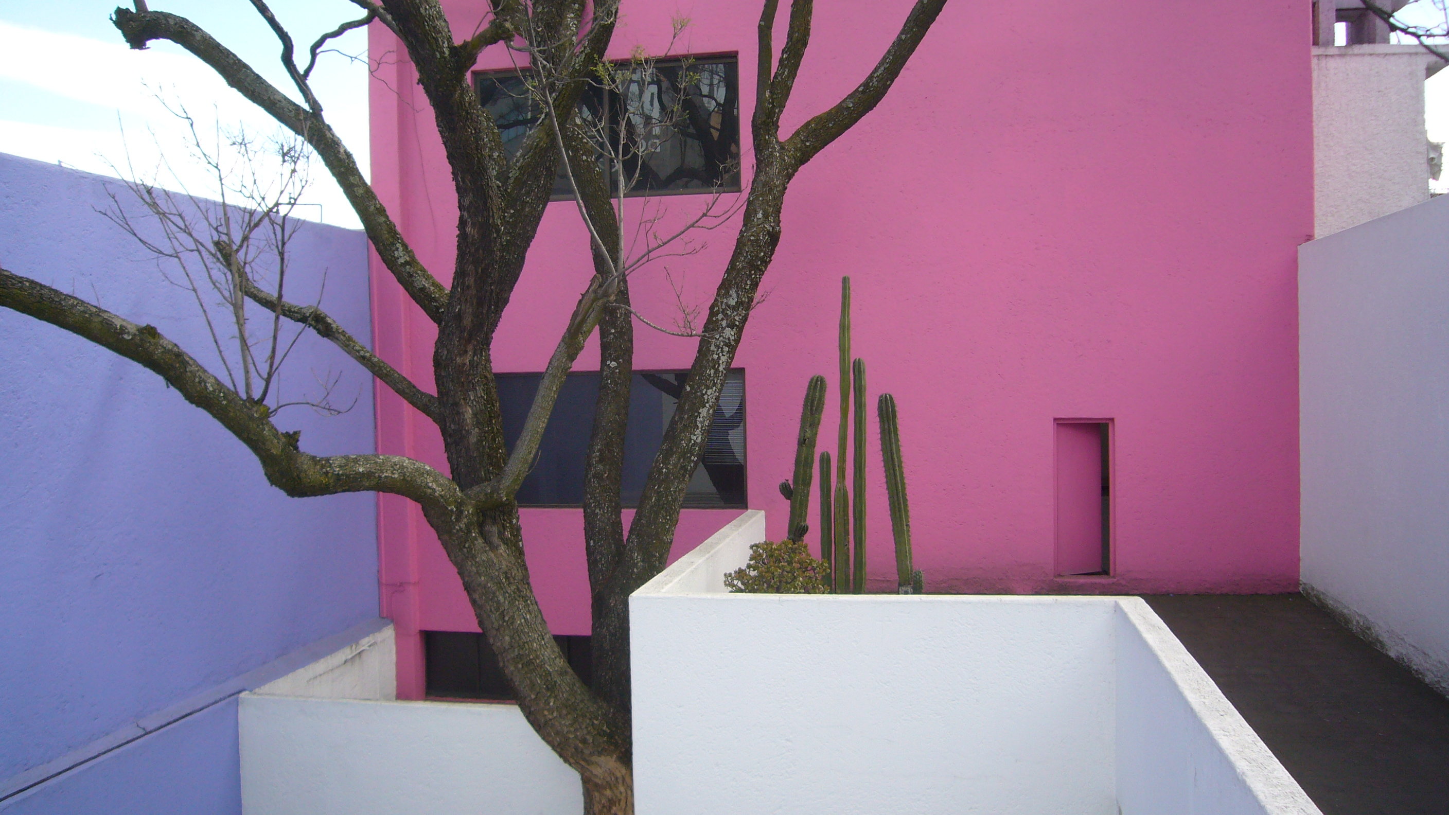 Luis Barragán architecture | © Kent Wang/Flickr