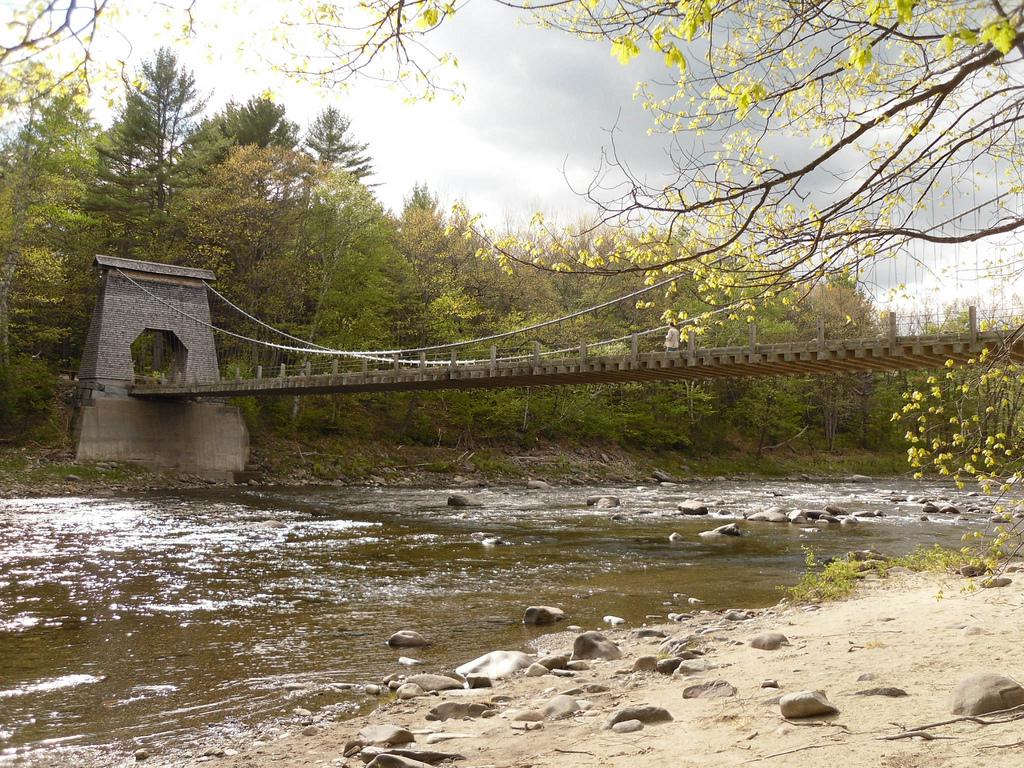 Wire Bridge - New Portland, Maine | © Doug Kerr/Flickr