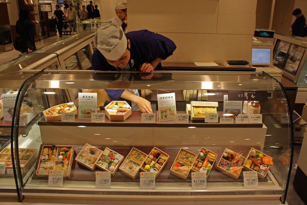 Bento boxes for sale in the basement of Isetan, Shinjuku | © istolethetv/Flickr