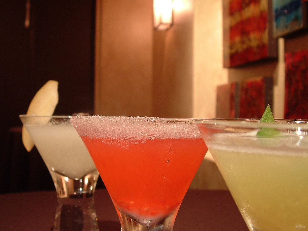 Cocktails |© ambernambrose/Flickr