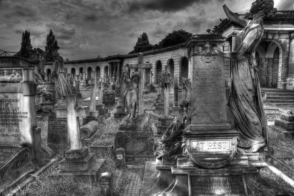 Brompton Cemetery|©Jeremy Weate/Flickr
