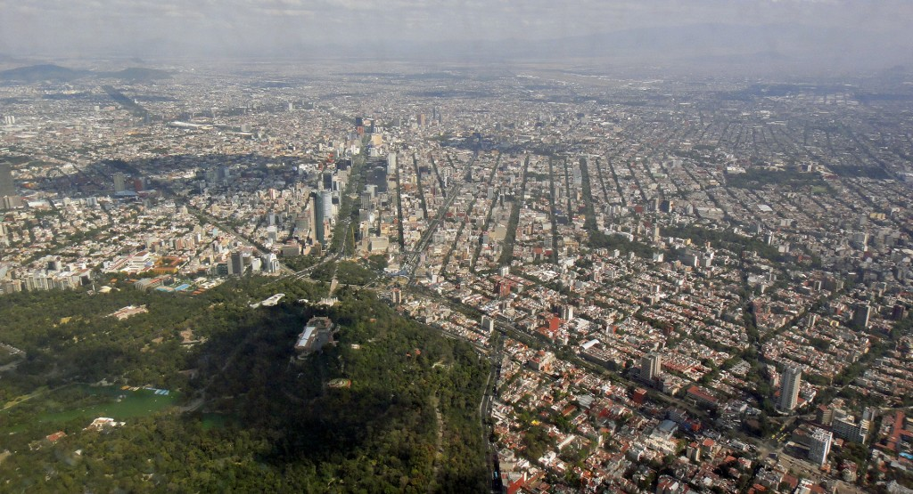 Mexico City from the air | © Payton Chung/Flickr