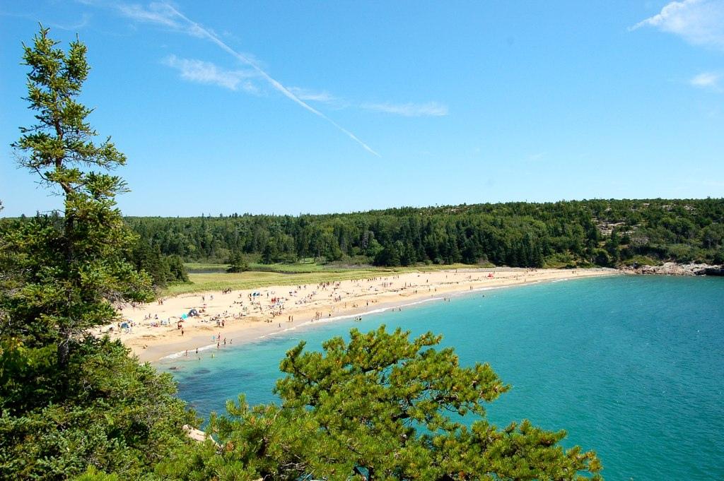Sand Beach, Acadia National Park | © Manuel Menal/Flickr