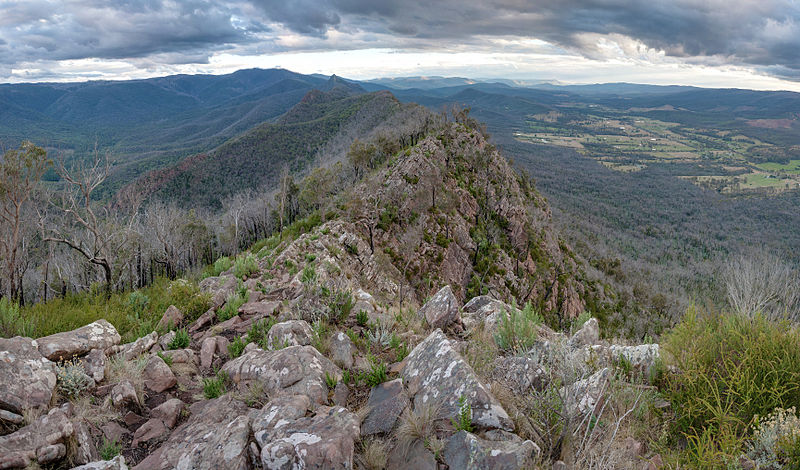 Cathedral Range, Vic, Australia - Mar 2012 © Diliff/WikimediaCommons