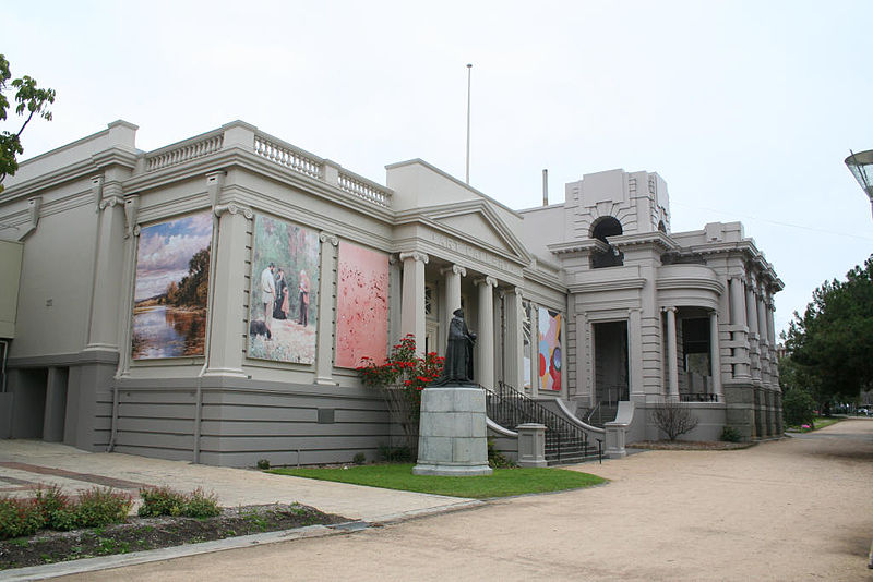 :Geelong-art-gallery-and-war-memorial © Marcus Wong Wongm/WikimediaCommons