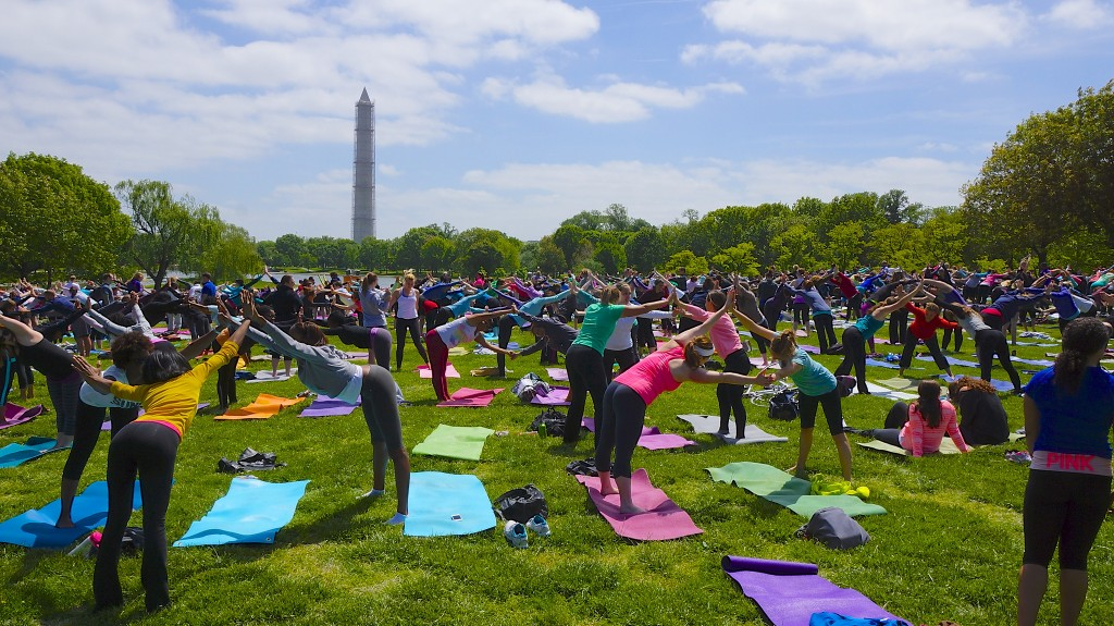 Yoga On The Mall | © Ted Eytan/Flickr