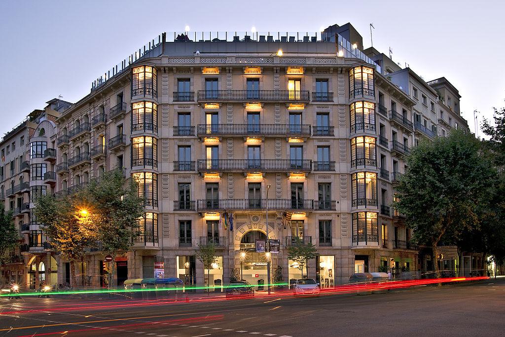 Barcelona lesbian hotels