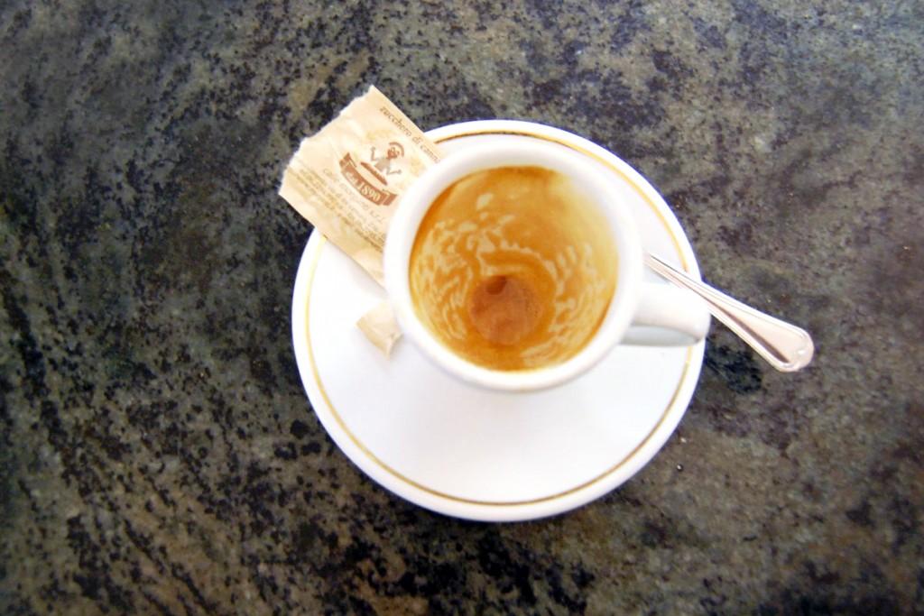 Empty Cup   ©Livia Hengel