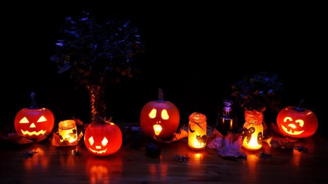Halloween Decorations   © Public Domain Pictures