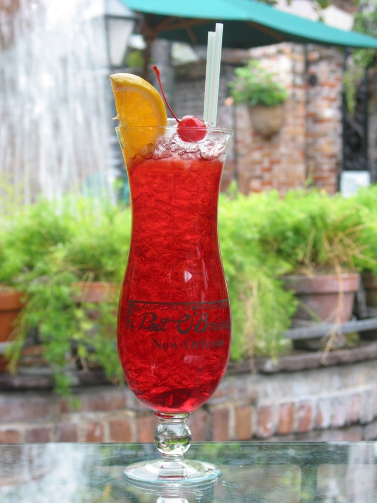 Hurricane cocktail in Souvenir Glass at Pat O'Brien's Bar in New Orleans   © NOLAskip/WikiCommons