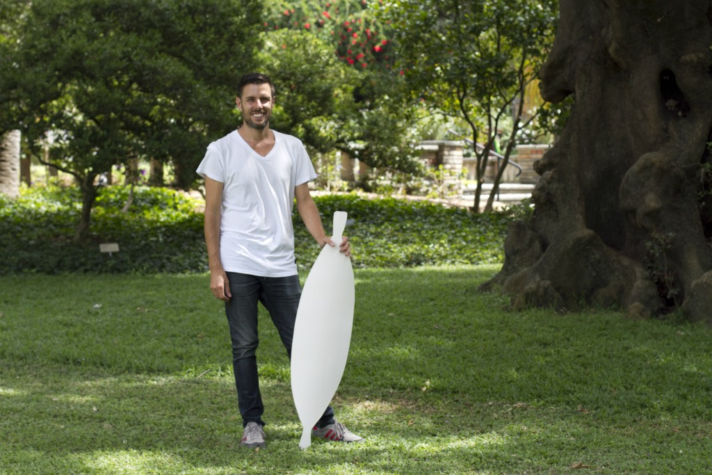 Jonathan Jones with prototype ceramic shield on site at the Royal Botanic Garden, Sydney. | © Emma Pike/Kaldor Public Art Projects
