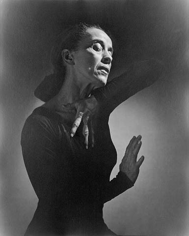 Martha Graham By Yousuf Karsh / Library and Archives Canada / PA-212251 - This image is available from Library and Archives Canada under the reproduction reference number PA-212251 and under the MIKAN ID number 3198638This tag does not indicate the copyright status of the attached work. A normal copyright tag is still required. See Commons:Licensing for more information.Library and Archives Canada does not allow free use of its copyrighted works. See Category:Images from Library and Archives Canada., Public Domain, https://commons.wikimedia.org/w/index.php?curid=144372