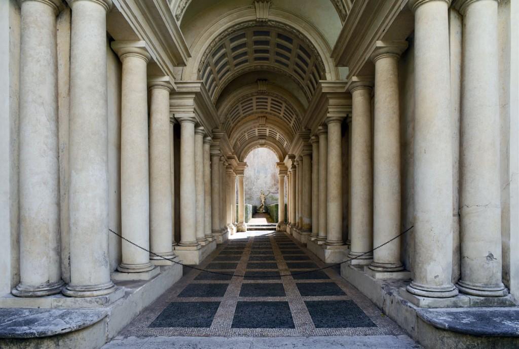 Borromini's Prospettiva   © WikiCommons