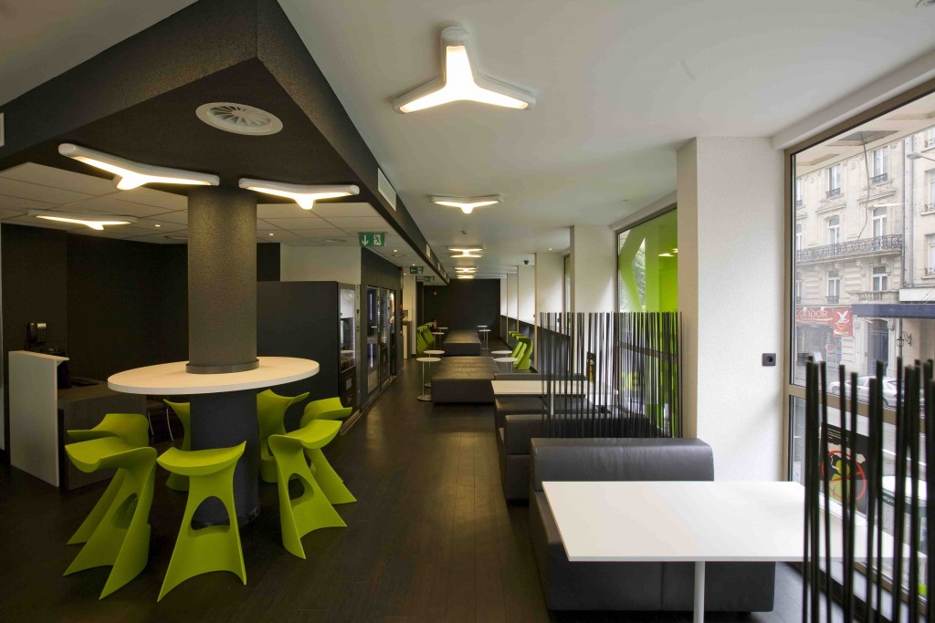 Sleek, modern and with a splash of green to brighten things up | Courtesy of MaxHotel